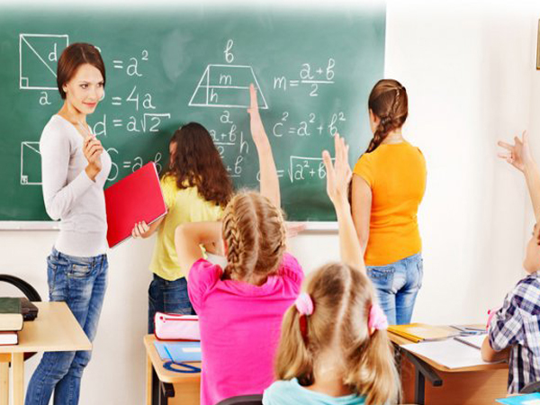 8 Tips agar Guru Disukai Siswa